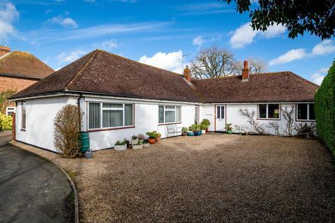 4 bedroom detached bungalow for sale - Kingshill Way, Berkhamsted