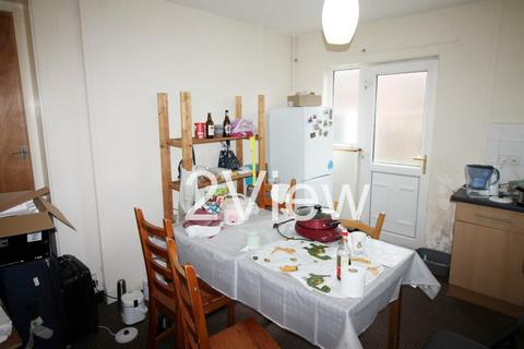 3 bedroom house to rent - Kelso Gardens, Leeds, West Yorkshire
