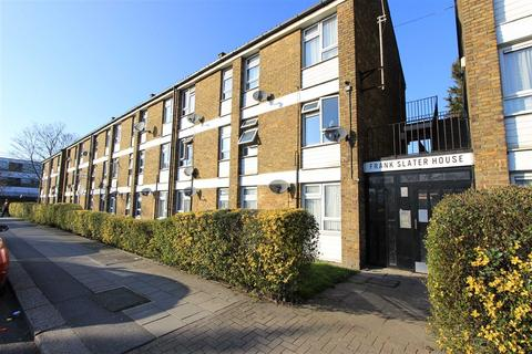 Studio for sale - Green Lane, Ilford, Essex, IG3