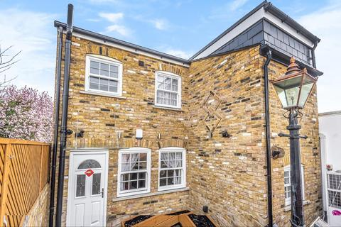 2 bedroom detached house for sale - Richmond Road, Kingston upon Thames