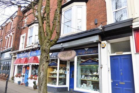 Studio to rent - 27 Northenden Road, Sale
