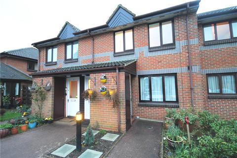 1 bedroom apartment for sale - Berryscroft Court, Berryscroft Road, Staines, TW18