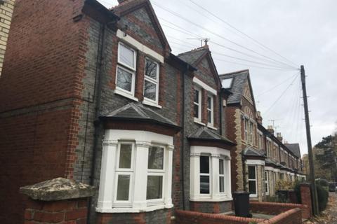 St. Barthlomews Road, East, RG1. 3 bedroom semi-detached house to rent