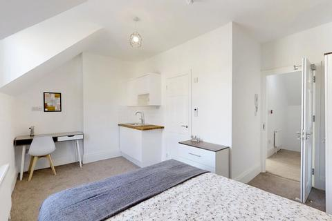 6 bedroom house share to rent - London Rd, Strood