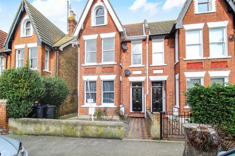 3 bedroom flat for sale - Top Flat Queens Gardens, Herne Bay, Kent