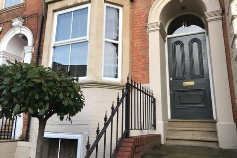 3 bedroom terraced house to rent - Billing Road, Northampton, NN1