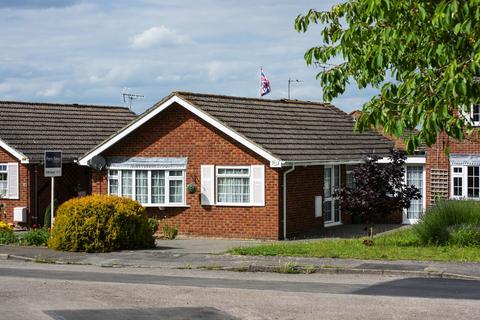 2 bedroom semi-detached bungalow for sale - Faringdon