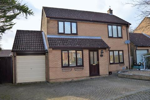 3 bedroom detached house to rent - Aviemore Gardens, West Hunsbury, Northampton, NN4 9XJ