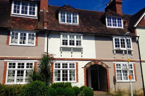 3 bedroom terraced house to rent - Lime Tree Walk, SEVENOAKS
