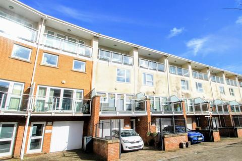4 bedroom townhouse for sale - Taliesin Court, Cardiff