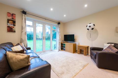 2 bedroom apartment for sale - Brighton Road, Lower Kingswood, Tadworth
