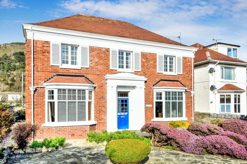 4 bedroom detached house for sale - Gloddaeth Avenue, Llandudno