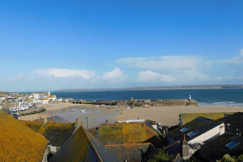 3 bedroom end of terrace house for sale - St. Ives