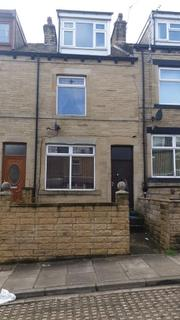 4 bedroom terraced house to rent - Cumberland Road, Bradford BD7