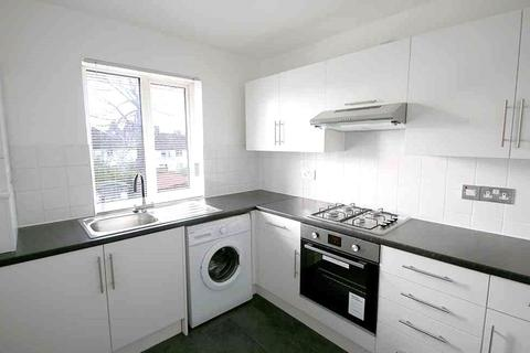 2 bedroom maisonette to rent - Laleham Avenue, London, NW7