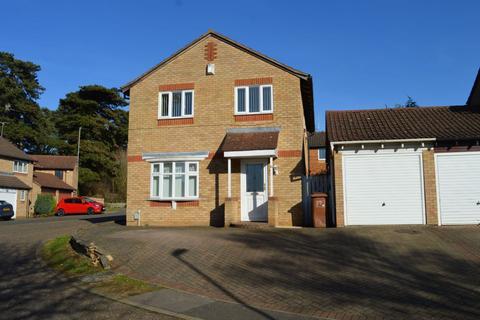 4 bedroom detached house for sale - Ten Pines, Southfields, Northampton NN3 5JZ