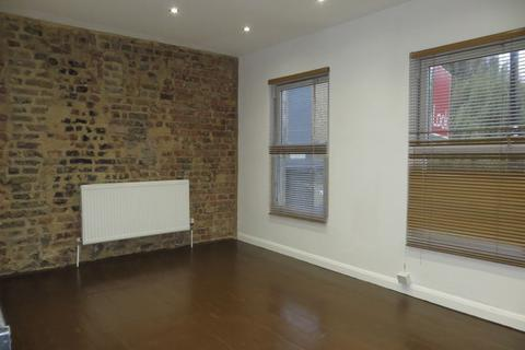 1 bedroom flat to rent - Roman Road, Bow E3