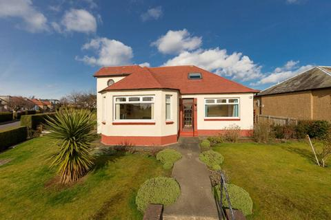4 bedroom detached bungalow for sale - 44 Craigmount Gardens, Corstorphine, EH12 8EA