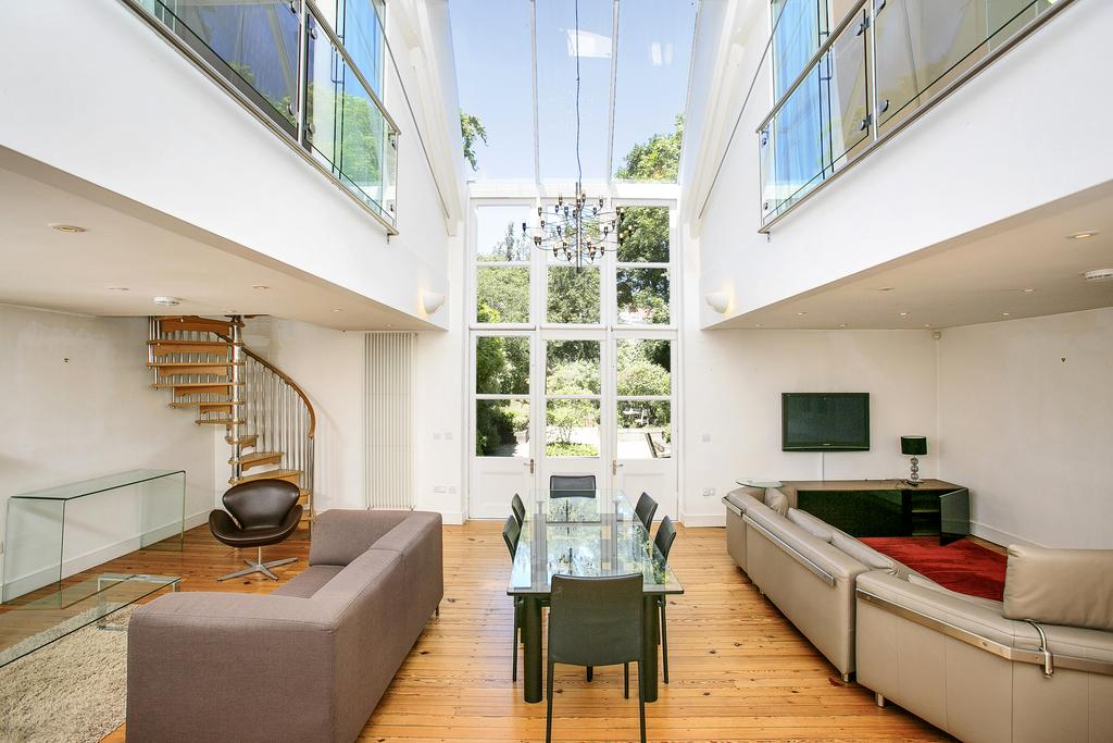 2 Bedrooms House for rent in The Studio, Bath Road, Chiswick