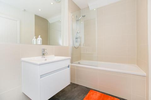 1 bedroom apartment to rent - High Street,  Staines-upon-thames,  TW18