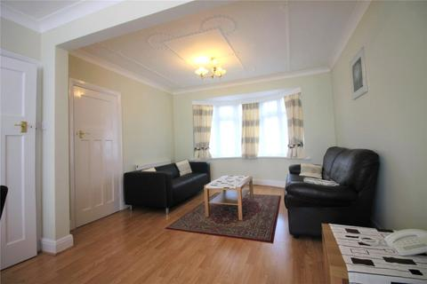 3 bedroom terraced house to rent - Fraser Road, Perivale, Greenford, UB6