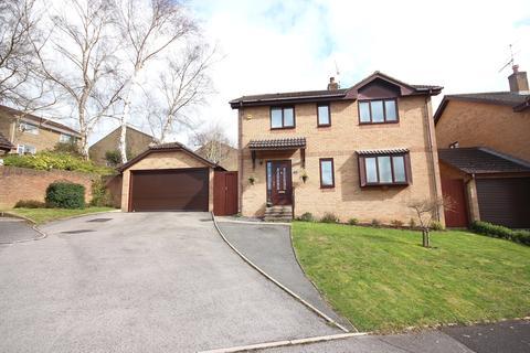 4 bedroom detached house for sale - Henbury View Road, Corfe Mullen, Wimborne
