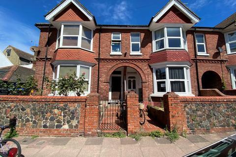Studio to rent - Charlecote Road, BN11