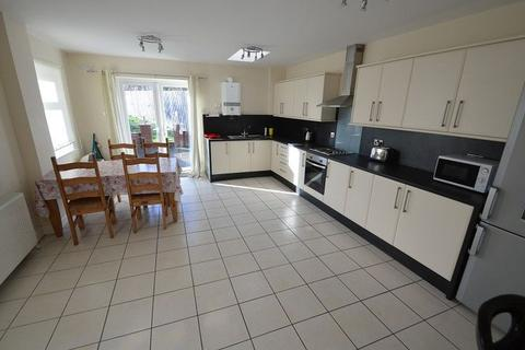 4 bedroom house share to rent - CHURCH ROAD, NORTHFIELD