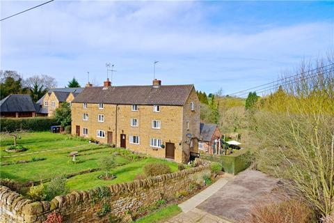 2 bedroom character property for sale - Lower Harlestone, Northampton, Northamptonshire