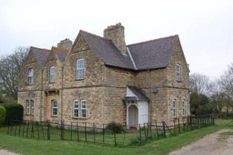 4 bedroom cottage to rent - Cleatham