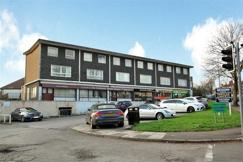 3 bedroom flat for sale - Colchester Avenue, Penylan, Cardiff