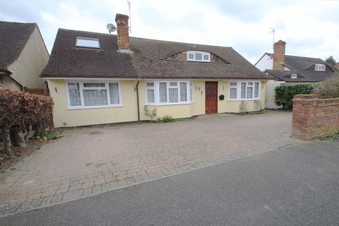 4 bedroom bungalow for sale - Frank Woolley Road, Tonbridge