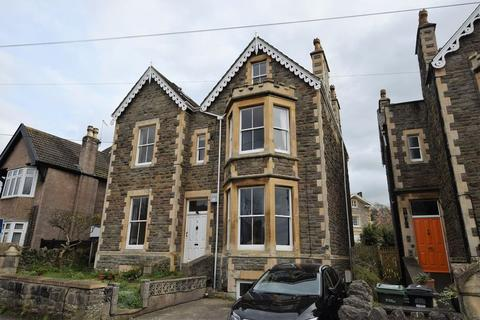 2 bedroom apartment for sale - With views across the roof tops of Clevedon