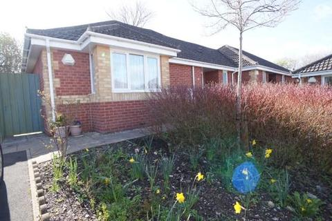 2 bedroom bungalow for sale - The Reubins, Speedwell, Bristol, BS5 7RX