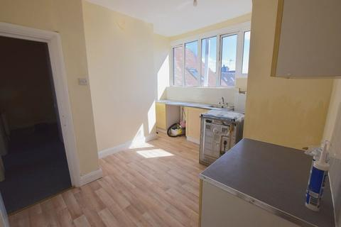 1 bedroom flat to rent - Leigh Road, Leigh-On-Sea