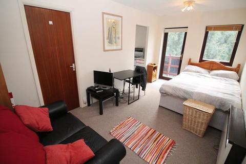 Studio to rent - Cumberland Place, Hotwells, Bristol