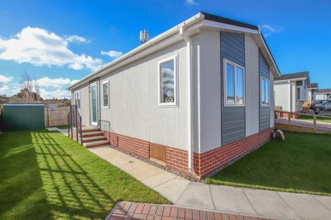 2 bedroom bungalow for sale - 94 Hazelgrove Park, Saltburn by the Sea