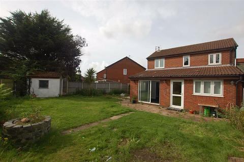 3 bedroom detached house for sale - Blakefield Road, Thornton, Liverpool