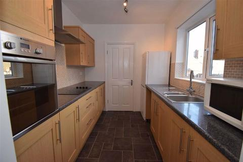 3 bedroom flat - Armstrong Terrace, South Shields