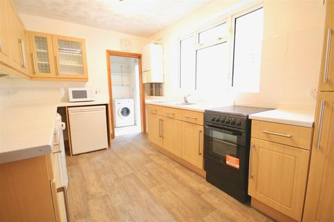 4 bedroom detached house to rent - Beatrice Road Southsea