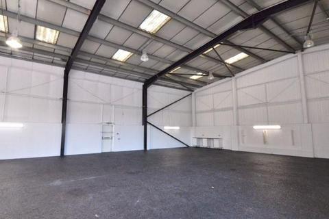 Warehouse to rent - Kendal Avenue, Park Royal W3 0RU