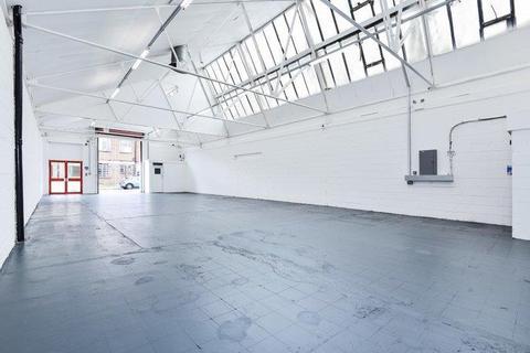 Warehouse to rent - Main Drive, Wembley, HA9 7NA