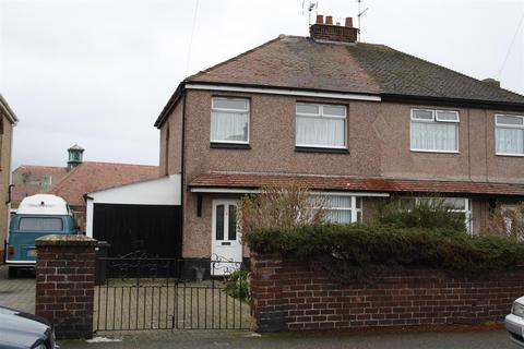 3 bedroom semi-detached house for sale - Vale Park, Rhyl