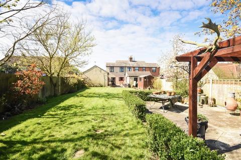 3 bedroom semi-detached house for sale - Southend Road, Rettendon Common, CM3 8EB