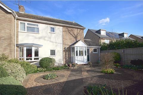3 bedroom semi-detached house for sale - Vicarage Close, Langford, SG18