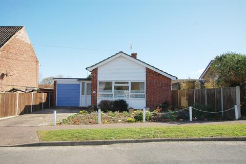 2 bedroom detached bungalow for sale - Church Close, Overstrand