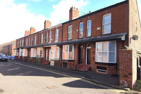 3 bedroom end of terrace house to rent - Trafford Grove, Stretford