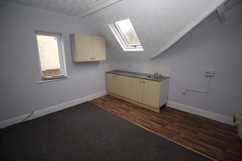 Studio to rent - 12 Brook Road, Heaton Chapel, Stockport, SK4