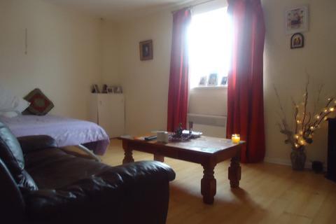 Studio to rent - Castle Street, Stockport