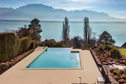 7 bedroom farm house  - Montreux